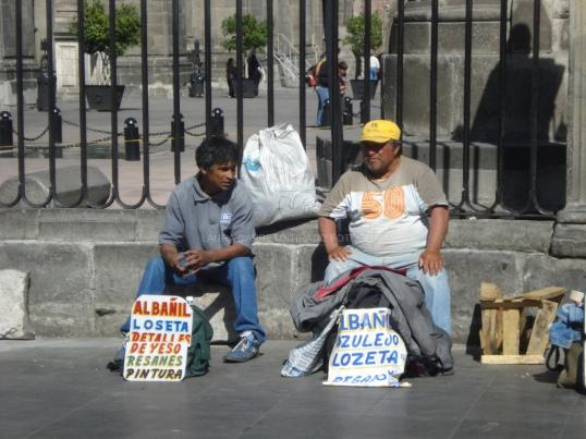 El empleo informal en América Latina obliga a los trabajadores a buscar varias ocupaciones para poder sobrevivir. Foto: El mundo de Laura via Compfight cc